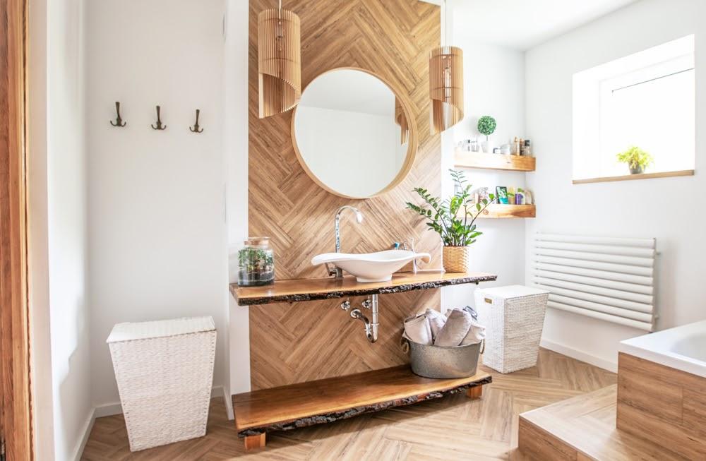 model baie in stil scandinav