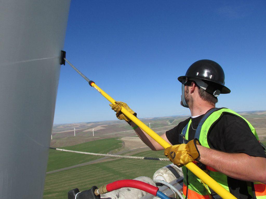Mentenanta turbina eoliana