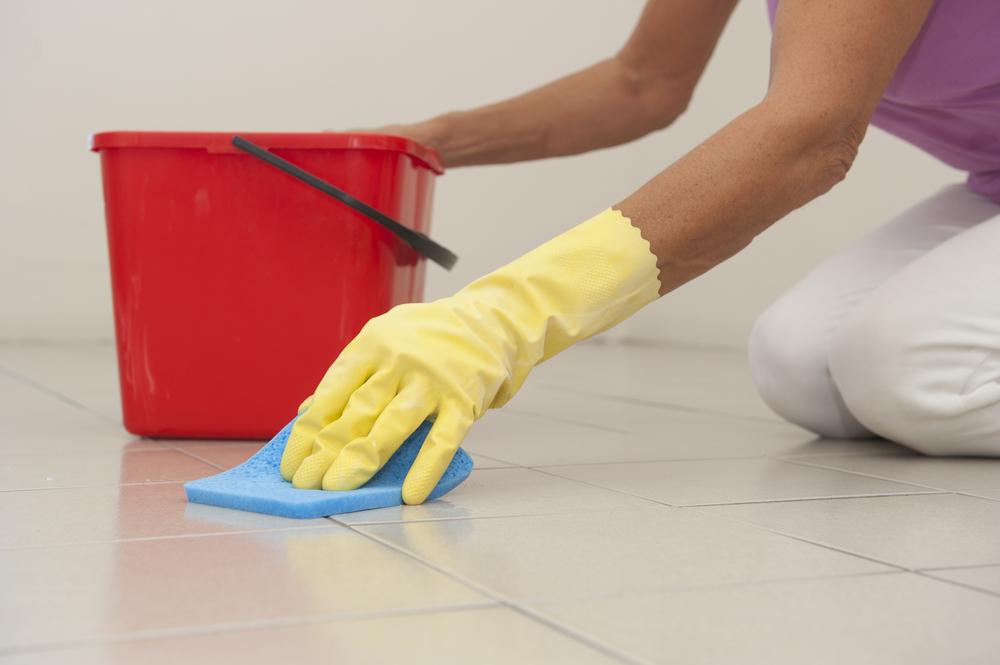 Cum se curata gresia si faianta