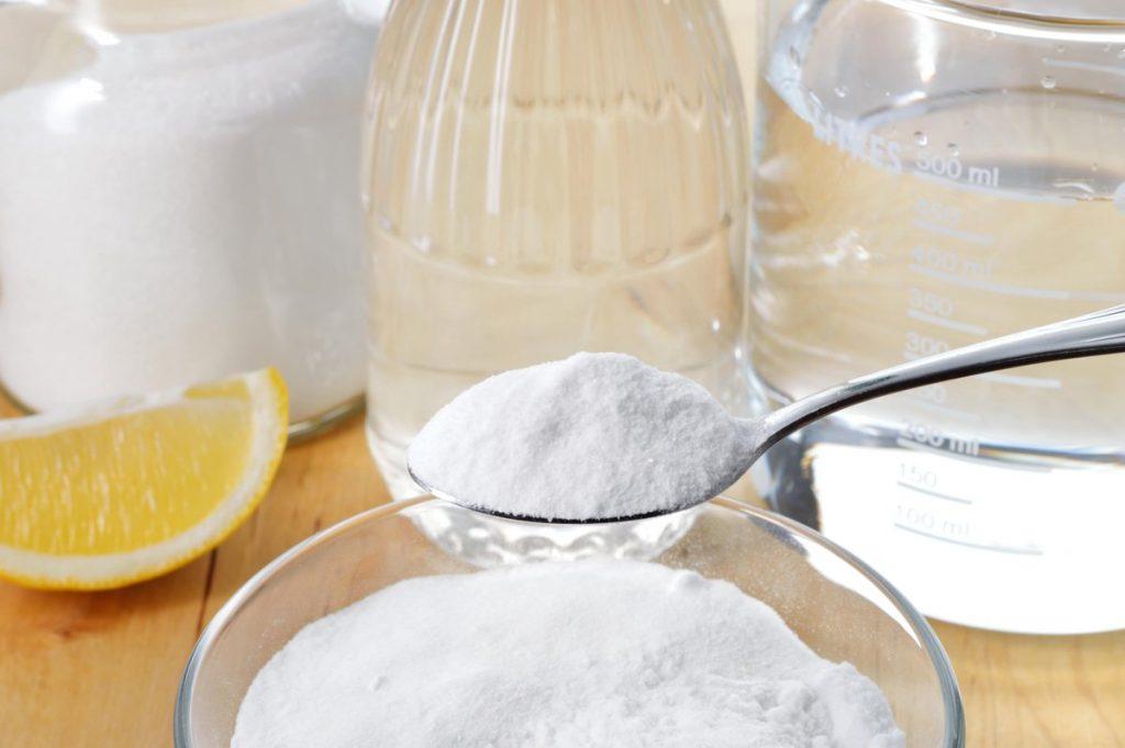 Solutii de curatat cu suc de lamaie