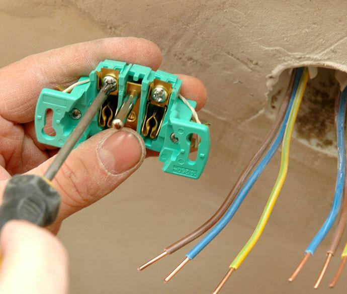 Manopera instalatie electrica