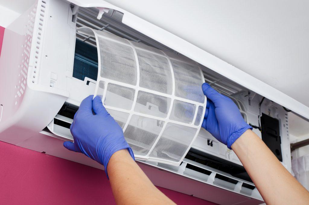 Curatare aparat AC