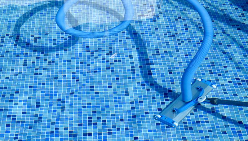 Aspirator curatat piscină