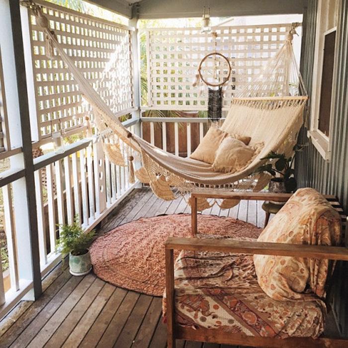 Amenajare zona de relaxare balcon