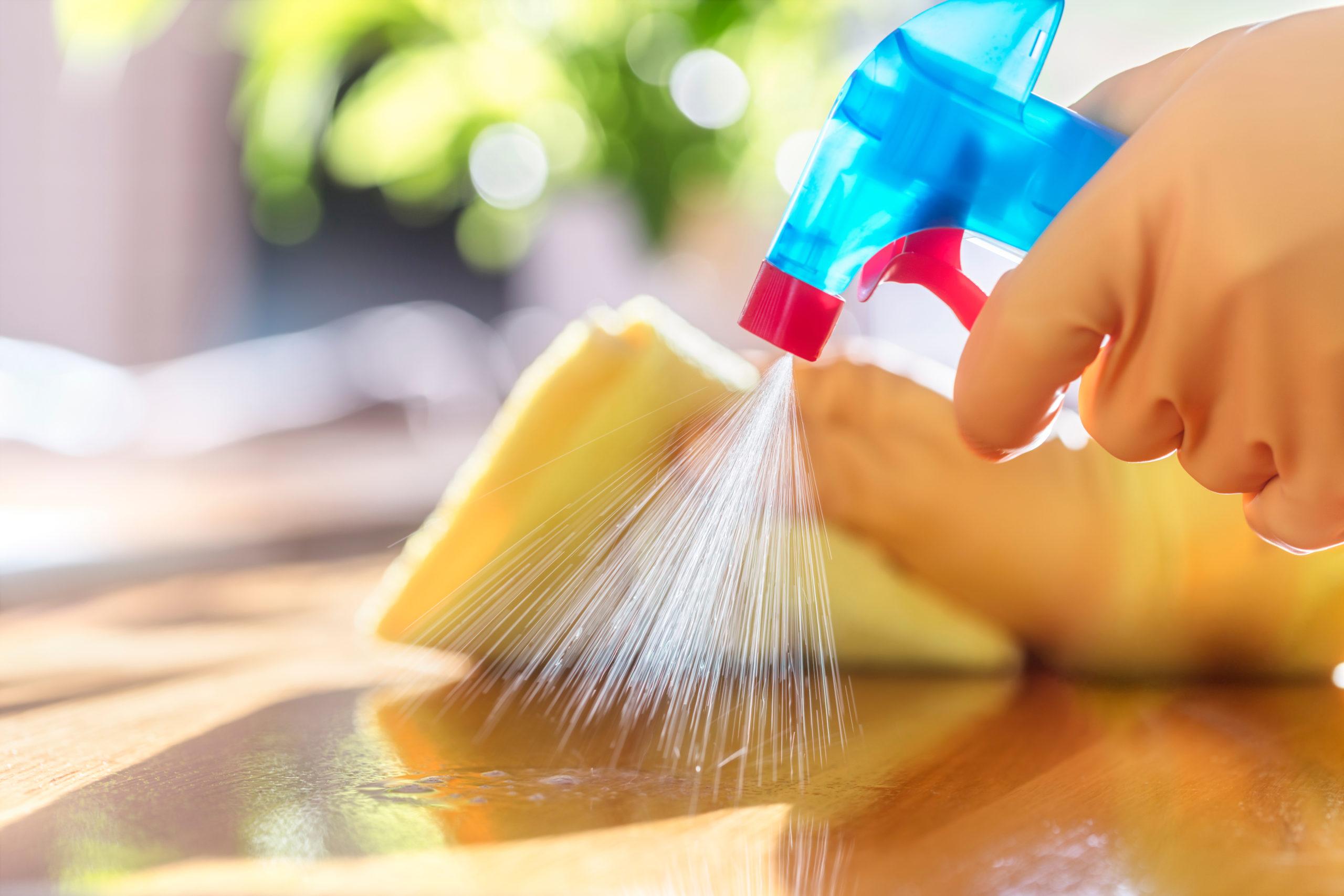Dezinfectarea suprafetelor din casa