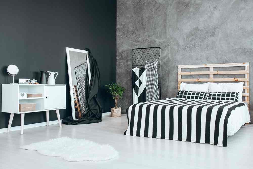 Loc pentru haine in dormitor