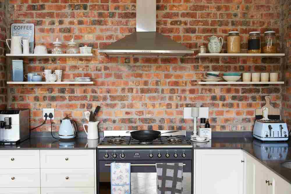 Cărămidă falsă în bucătărie